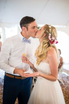 Frosting kisses for the newlyweds!