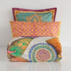 CUSHIONS PRINT BED LINEN