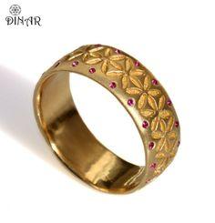 Gemstone Wedding band, Floral pattern gold wedding band 14k yellow gold floral motif, engraved flowers women gold band, art deco pattern