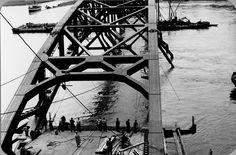 beeldbank nijmegen | Foto van de vernielde Waalbrug bij Nijmegen in mei 1940 ID293685