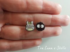 Earrings Totoro and Soot Sprite, Black Soot - Spirited Away, My neighbour… My Neighbour Totoro, Diy Earrings Studs, Hayao Miyazaki, Shrink Art, Ghibli Movies, Girls Anime, Shrinky Dinks, Spirited Away, Plastic Jewelry