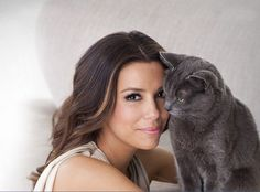 Eva Longoria with Cat - Backyard Burial band Crazy Cat Lady, Crazy Cats, Celebrities With Cats, Celebs, Patricia Highsmith, Son Chat, Beautiful Kittens, Cat People, Actors