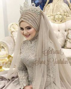 Weddings are special occasions wearing a Wedding Abaya fills the need of modesty. This also can be made extremely elegant check full Wedding Abaya guide. Wedding Abaya, Muslim Wedding Gown, Muslimah Wedding Dress, Hijab Style Dress, Muslim Wedding Dresses, Muslim Brides, Bridal Dresses, Muslim Girls, Muslim Couples