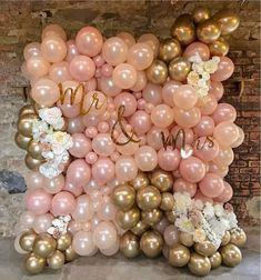 Such a pretty balloon wall for a wedding 🎩💍 by Wedding Balloon Decorations, Wedding Balloons, Birthday Balloons, Birthday Decorations, Balloon Backdrop, Balloon Wall, Balloon Garland, Balloon Ideas, Diy Garland