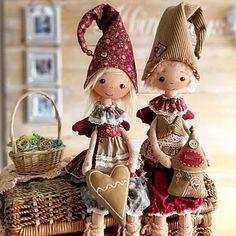 Christmas Toys For Girls, Christmas Gifts For Friends, Christmas Angels, Christmas Crafts, Christmas Decorations, Christmas Ornaments, Sweden Christmas, Felt Dolls, Rag Dolls