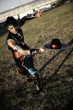 Leon Chiro as Kung Lao - MK9 Romics 2011 D.Germani by LeonChiroCosplayArt.deviantart.com