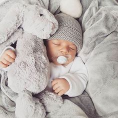 New Baby Nursery Ideas Neutral Newborns Children Ideas Cute Little Baby, Baby Kind, Little Babies, Cute Babies, Foto Baby, Cute Baby Pictures, Everything Baby, Baby Family, Cute Baby Clothes