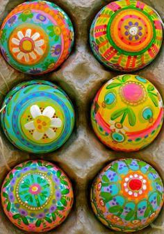 Here is the latest group of eggs painted up for Doodlet's I think they turned out nice and bright. Funny that I cannot repeat a design to sa...
