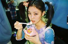 Jisoo posted this on her if story on Jennie's birthday Jenny Kim, Jennie Kim Blackpink, My Girl, Cool Girl, We Heart It, Ella Anderson, Blackpink Video, Blackpink Photos, Black Pink Kpop