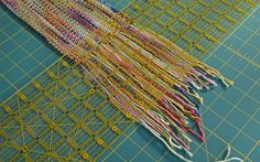 tutorial on making the perfect fringe, but this post may change your mind Knitting Help, Loom Knitting, Knitting Stitches, Knitting Patterns, Crochet Patterns, Sewing Hacks, Sewing Tutorials, Sewing Tips, Yarn Crafts