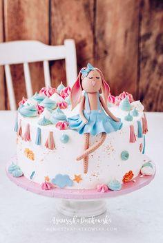 No Bake Desserts, Snacks, Baking, Disney Princess, Dessert Ideas, Food, Instagram, Birthday Cake, Appetizers