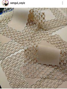 Grey Linen Tablecloth Rectangle with Lace Custom table cloth Rustic table decor Eco friendly Burlap Crochet Lace Edging, Crochet Motifs, Crochet Doilies, Crochet Patterns, Cotton Crochet, Crochet Tablecloth, Linen Tablecloth, Crochet Patron, Great Wedding Gifts