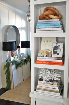 Today I'm sharing the home of Kelly from Bungalow Blue Interiors. She shares her beautiful home all decorated for Christmas. Bookshelf Styling, Bookshelves, Bungalow, Patina Style, Decorating Your Home, Decorating Ideas, Decor Ideas, Creative Decor, Modern House Design