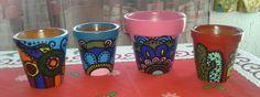 Variedad de macetas pintadas a mano. Diferentes tamaños, diseño a elección del cliente, en barro o plástico.