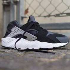 Nike Air Huarache GS Black/Grey-White. #nike #lilsnob #gs