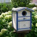 """Vogelnist - und Futterhaus        """"  Haus am Meer""""   Das Vogelhaus  hat gleich 2 Funktionen.  Hier können zum einem Kleinwildvögel  ( Meisen ,Finken, Stieglitz  u.v.A.) im Winter im..."""
