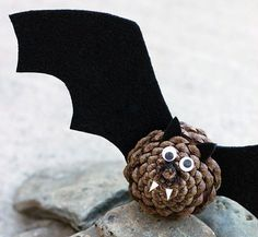 Pinecone and candy corn owl by Remade Simple Spiders made using pinecones by Fire Flies and Mud Pies Felt and pineco...