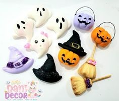 Molde Doce Halloween Halloween Clay, Kawaii Halloween, Halloween Nails, Fimo Clay, Polymer Clay Charms, Porcelain Clay, Cold Porcelain, Pasta Flexible, Clay Dolls