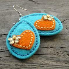 Slzy srdeční náušnice kytky kytičky vyšívané kolečka filc crochetka