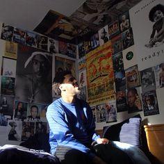 Hip-hop, R&B, nsfw and fun shit Forest Hills Drive, Hip Hop Classics, Retro Room, Rap Wallpaper, Hip Hop Art, J Cole, Photo Wall Collage, Aesthetic Room Decor, Room Ideas Bedroom