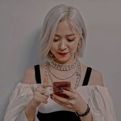 Aesthetic Photo, Aesthetic Girl, Cute Korean Girl, Asian Girl, Kpop Girl Groups, Kpop Girls, Cute Pastel Wallpaper, Instagram And Snapchat, Cute Icons