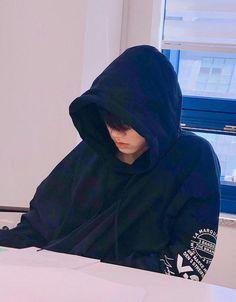 Jungkook Jeon as your boyfriend It's a GIF and Pictures Series. Jung Kook, Korean Boys Ulzzang, Cute Korean Boys, Jikook, Jungkook Aesthetic, Wattpad, Jeon Jeongguk, Foto Bts, Boyfriend Material