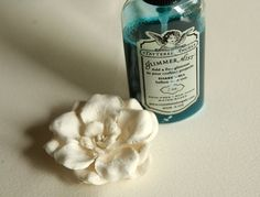 Lesley Langdon Tutorials: Variated Petals - Playing with WHITE Flowers!