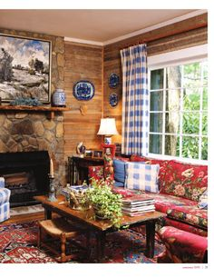 Cabin Decor - Nancy's Daily Dish: More Traditional Red White & Blue Rooms with Transferware Blue Living Room Decor, Cottage Living Rooms, Blue Rooms, French Country Decorating, Cozy House, Decoration, Sweet Home, House Design, Design Design