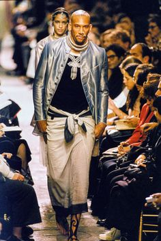 See the complete Jean Paul Gaultier Spring 1994 Ready-to-Wear collection.