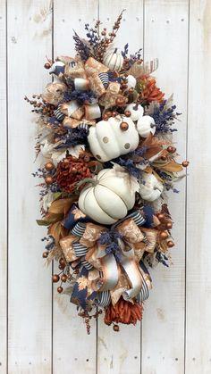 Fall Swags, Fall Wreaths, Halloween Wreaths, Spooky Halloween, Vintage Halloween, Halloween Pumpkins, Halloween Crafts, Blue Fall Decor, Fall Home Decor