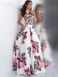 Are you looking for Ever-pretty US Half-sleeve Formal Evening Gowns Mother Of Bride Cocktail Dresses? We have sorted out the most fashionable & trending dresses of Check out our top picks now. Floral Prom Dresses, Jovani Dresses, Pretty Dresses, Beautiful Dresses, Formal Dresses, Floral Gown, Ball Gowns Prom, Ball Dresses, Homecoming Dresses