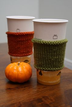 Ravelry: reusable hot coffee-cup sleeve pattern by Joelle Hoverson