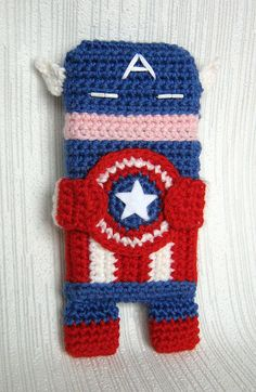 Captain America iPhone 5 and 4 case (cozy, sleeve, cover) Crochet PDF Pattern, via Etsy.