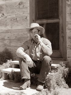 Today's Old Picture was taken at the Quarter Circle U Ranch in Big Horn County in Montana. The photo was taken in The cowboy is enjoying a smoke in front of the bunkhouse. One thing you can pretty much bet on is that he rolled that cigarette himself. Old Pictures, Old Photos, Vintage Photos, Cowboy Pictures, Real Cowboys, Cowboys And Indians, Hot Cowboys, Wyoming, Into The West