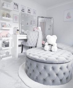 Top Beautiful Teen Room Decor For Girls - Decor Teen Bedroom Designs, Bedroom Decor For Teen Girls, Cute Bedroom Ideas, Cute Room Decor, Room Ideas Bedroom, Teen Room Decor, Bedroom To Closet, Bedroom Decor Glam, Grey Bedroom Design