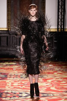 Iris van Herpen Spring 2013 Couture Fashion Show Collection 3d Fashion, Ethical Fashion, Fashion Week, Gothic Fashion, Couture Fashion, Runway Fashion, Spring Fashion, Fashion Show, Paris Fashion