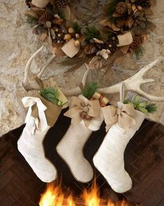 CHRISTMAS DECORATING ; Country Christmas Stockings