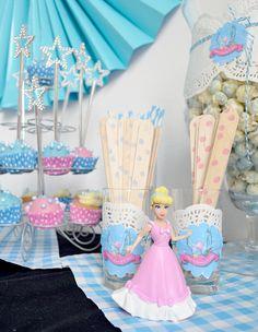 Sweet table bij een #Assepoester feestje. Met #toverstaf cakepops en houten bestek in stijl. Door Typisch Mies.