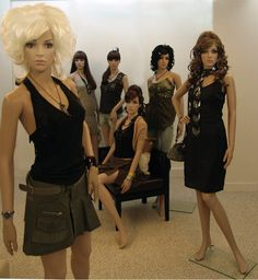 Google Image Result for http://www.nan-yang.com.hk/files/Plastic%2520Mannequin%2520with%2520clothes%255B1%255D.jpg