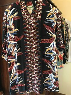 Vintage Hawaiian Shirts, Mens Hawaiian Shirts, Bohemian Style Clothing, Bowling Shirts, Tailored Shirts, Aloha Shirt, Men's Suits, Men Shirts, Men's Apparel