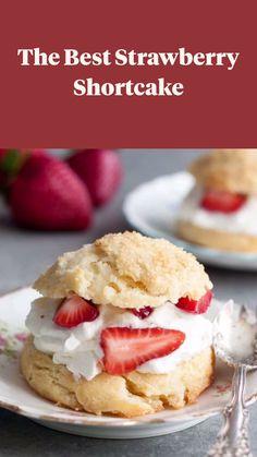 Homemade Strawberry Shortcake, Strawberry Dessert Recipes, Desserts With Strawberries, Shortcake Recipe Easy, Easy Strawberry Desserts, Summer Desserts, Fun Desserts, Delicious Desserts, Yummy Food