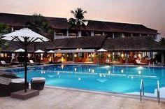 Hotel Vasundra Sarovar in Alappuzha Best Resorts In Maldives, Maldives Resort, Lake Resort, Beach Resorts, Top Hotels, Hotels And Resorts, Best Hotels, Luxury Resorts, Floating Hotel