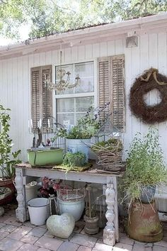 Great Free shabby chic garden shed Concepts Back garden outdoor sheds have multiple utilizes, including keeping residence litter and backyard garden maint. Garden Cottage, Garden Art, Home And Garden, Garden Ideas, Garden Inspiration, Rustic Gardens, Outdoor Gardens, Jardin Style Shabby Chic, Garden Organization