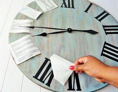 diy wall clocks 451697037616886908 - DIY Rustic Wall Clock Source by dekkernelly Farmhouse Clocks, Rustic Wall Clocks, Unique Wall Clocks, Wood Clocks, Rustic Wall Decor, Rustic Walls, Diy Wall Decor, Diy Home Decor, Antique Clocks