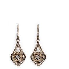 Alexander Mcqueen Flower crystal teardrop earrings (1.635 BRL) ❤ liked on Polyvore featuring jewelry, earrings, metallic, flower drop earrings, teardrop earrings, flower jewellery, alexander mcqueen and alexander mcqueen earrings