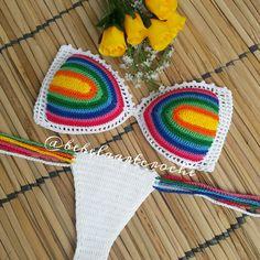Pin by Silvia Baeta on Crochet Crochet Triangle Pattern, Crochet Bikini Pattern, Crochet Bikini Top, Crochet Patterns, Swimsuit Pattern, Diy Crochet And Knitting, Crochet Chart, Crochet Clothes, Crochet Lace