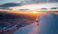 Sin frenos... vale la pena vivir así aunque sea a intervalos Fot.: Michael Neumann #nieve #snow #atardecer #sunset #ski #japon #japan #asahidake