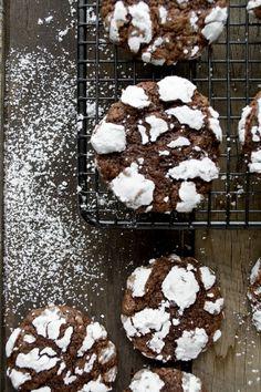 Chocolatey Crinkle Cookies taste like brownies!