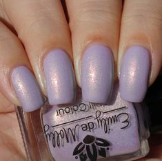 Emily de Molly Winter's Gate swatched by Olivia Jade Nails
