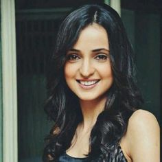 Sanaya Irani (Actress) Profile with Bio, Photos and Videos - Onenov.in